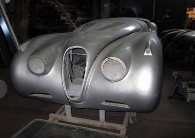 Jaguar xk 120 OTS body and chassis