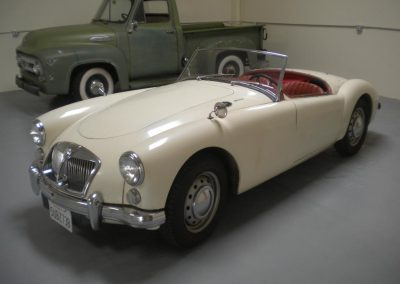 MGA MK2 and Jaguar XK120Srds 069